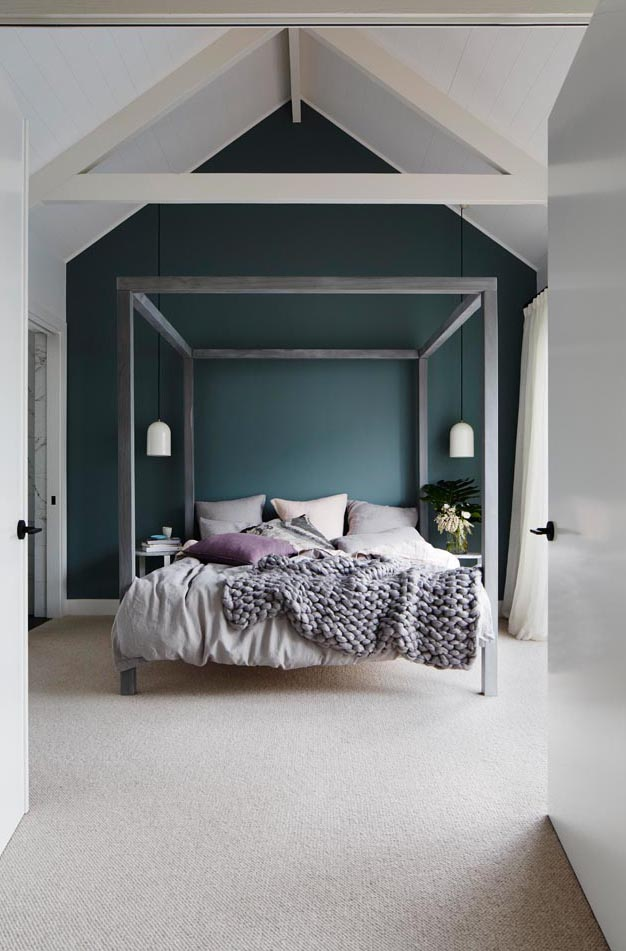 Love the bed frame used here by Deanne