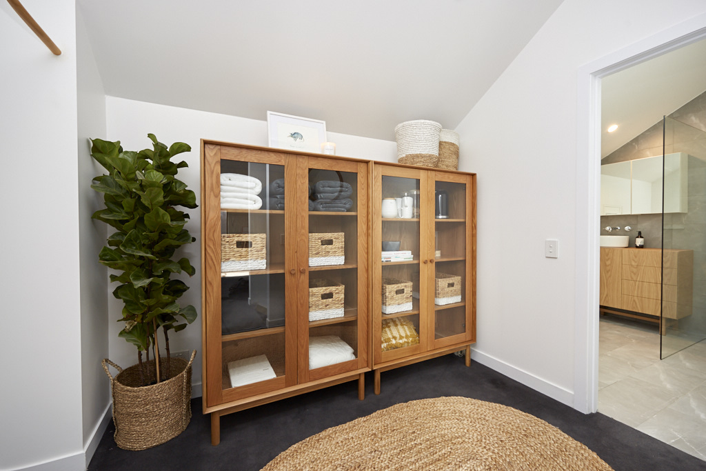 The judges were all impressed with Ronnie & Georgia's decision to add these cupboards as it gives potential buyers the choice of how to use this space