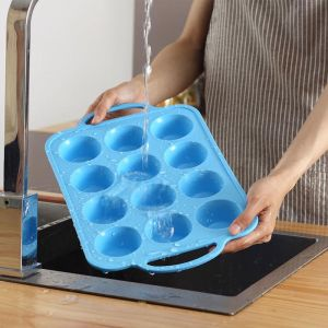 12 Cup Silicone Pan