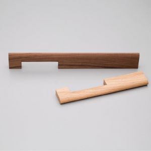 Astrid Handle | Oak or Walnut