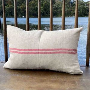 Belle Cushion | Grain With Red