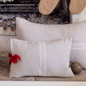 Biarritz Cushion   White With Red