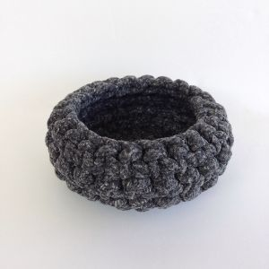 Crochet Bowl Large | Charcoal Speckle