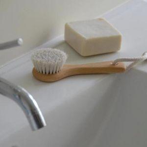 Face brush | Beechwood handle