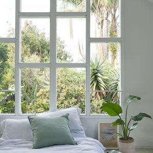 French Linen Winter White + Natural   Reversible Duvet Incl Pillowslips