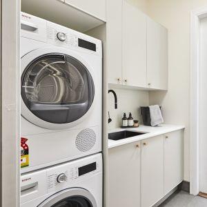 Kinsman | Laundry | Daniel & Jade
