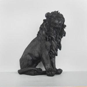 Large Sitting Lion | Black