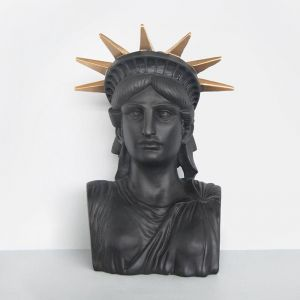 Libby The Statue | Black/Gold