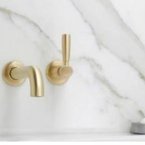 Manhattan Wall Set | 200mm Spout | Brushed Gold