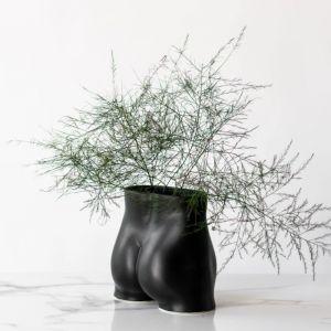 Rialheim Ceramics Tuckus Planter | Black