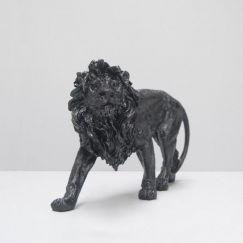Walking Lion | Black