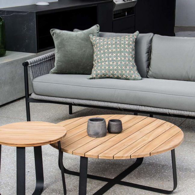 Catalan Sofa by SATARA | Black or White