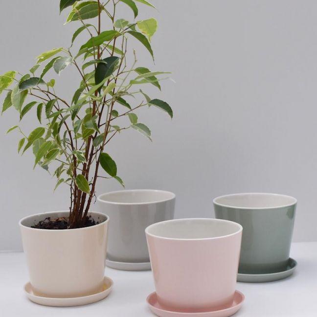 Flowerpot with saucer | Jade Green by Anne Black