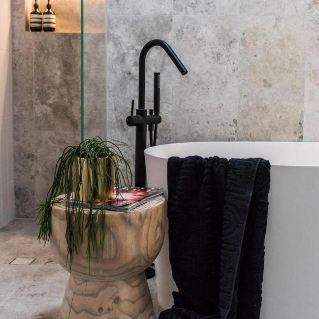 Freestanding Round Bath Mixer with Hand Spray | Black