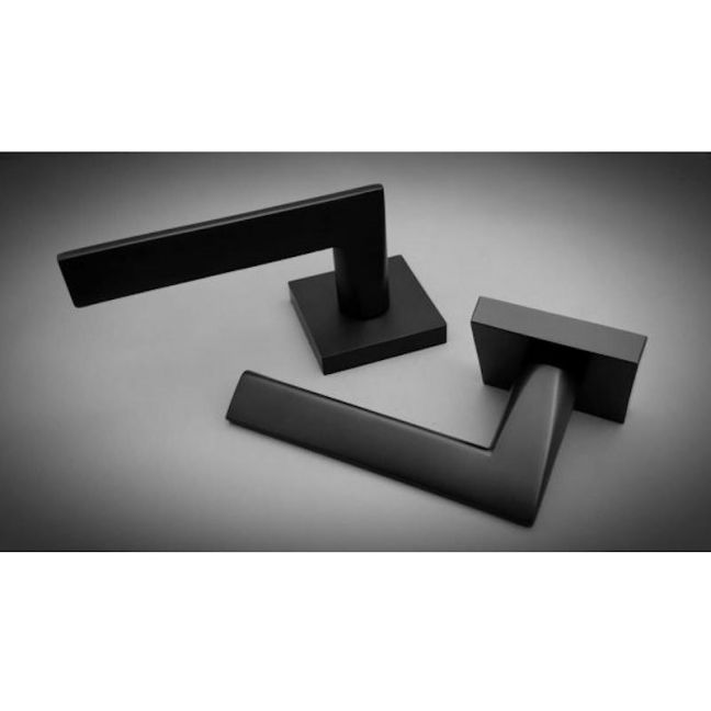 Idun | Square Matte Black | Door Handle