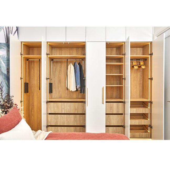 Kinsman   Guest Bedroom 2 Wardrobe   Jimmy  & Tam