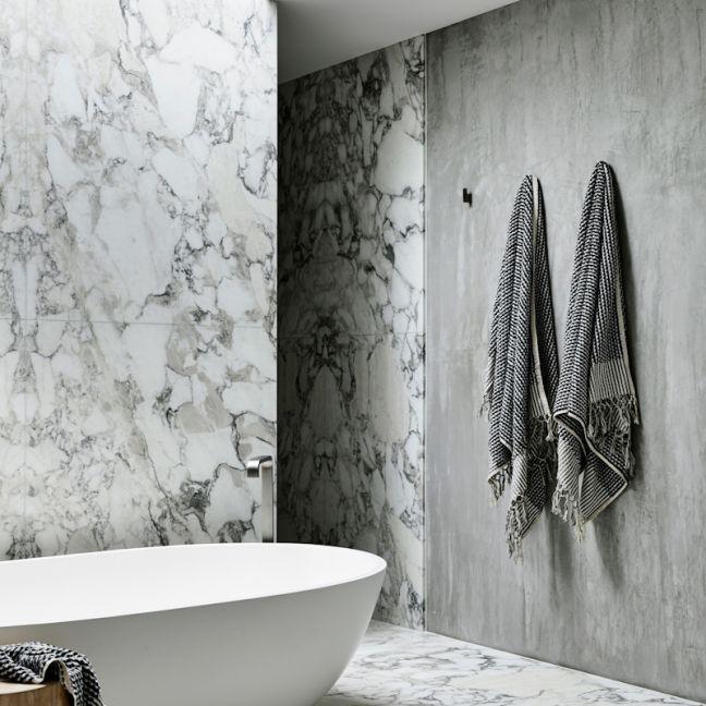 Loom Towels Black & White Wave Bath Towel